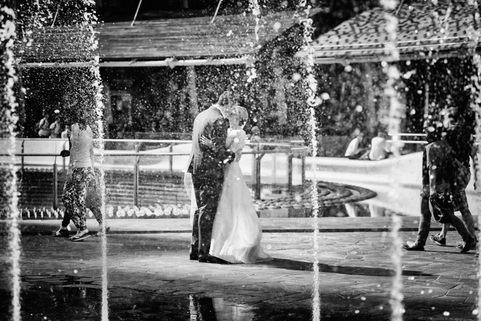 Wedding-photographer-Milan-Gae-Aulenti-Square-2