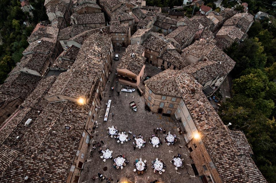 piazza-della-Rocca_reception